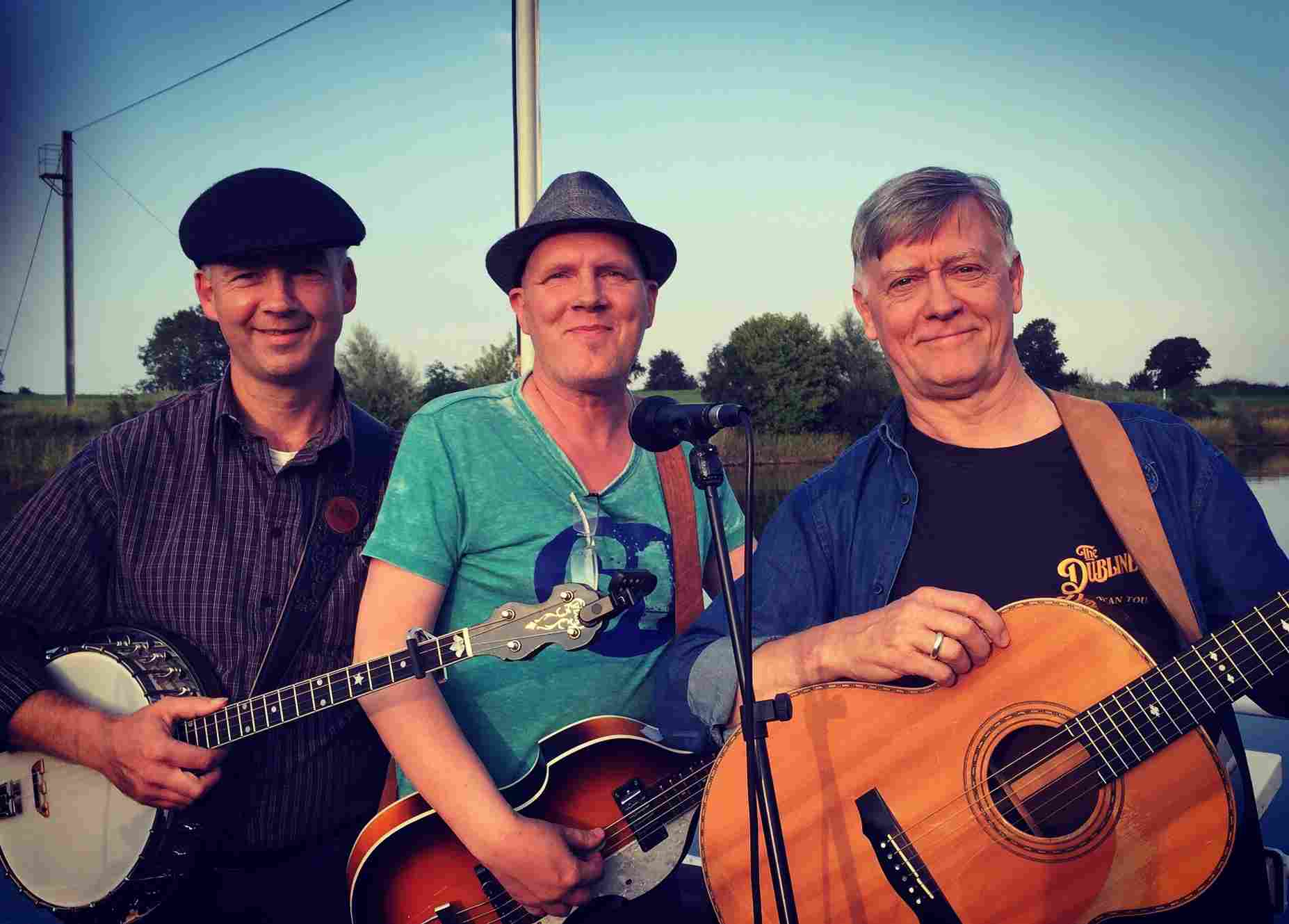Foto: das Josie White Revival Band Trio in Schweringen